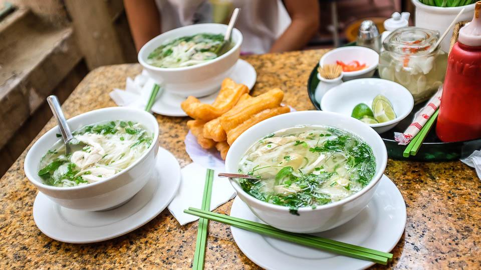 Pho ga kuřecí vietnamský vývar