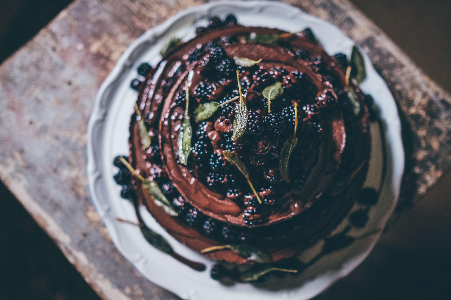 Čokoládový baileys double cheesecake sostružinami ašalvějí
