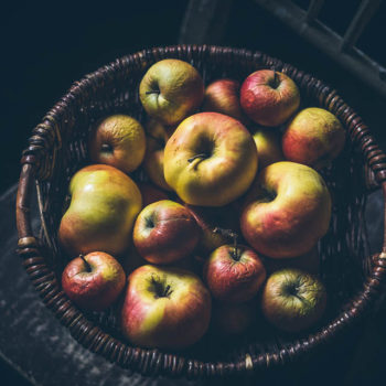Jablíčkový nepečený dort